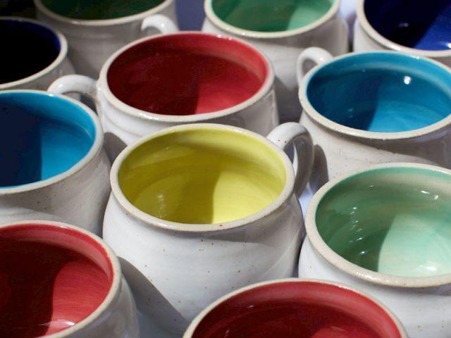 coloured-mug-array