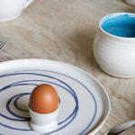 coloured-mug-tabletop